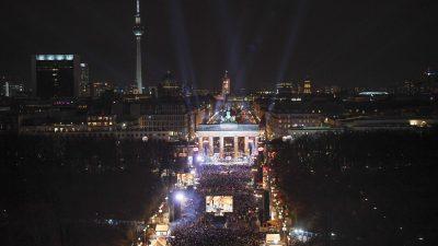 Party vor Brandenburger Tor voll – Alle Zugänge geschlossen