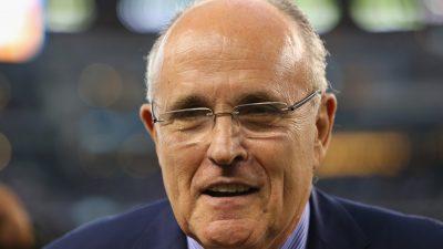 Giuliani: Trump wird kein Wahlergebnis anerkennen, solange es noch juristische Auseinandersetzungen gibt