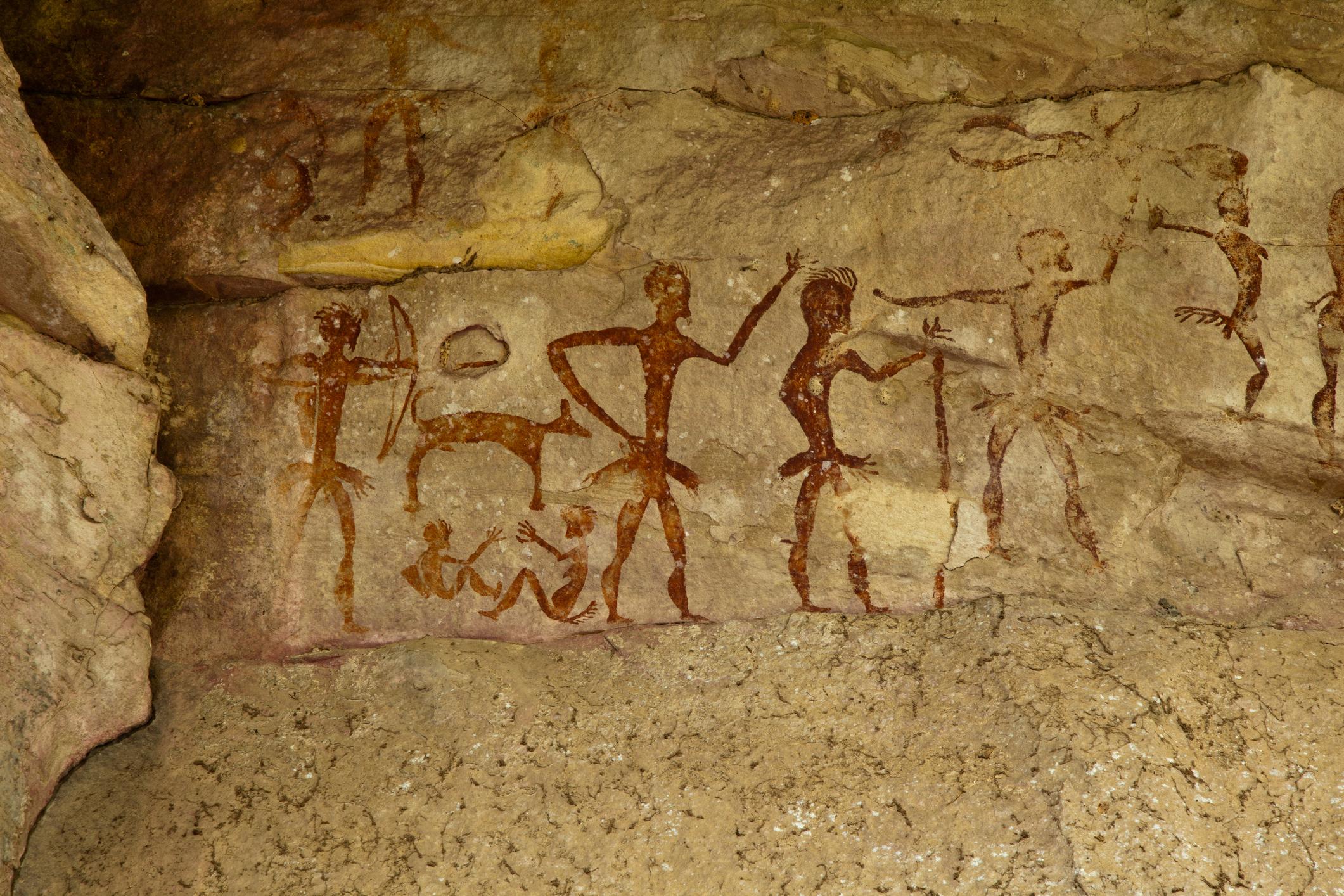 Forscher entdecken fast 44.000 Jahre alte Felsmalereien in Höhle in Indonesien