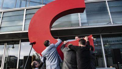 Greenpeace bringt C in CDU-Zentrale zurück