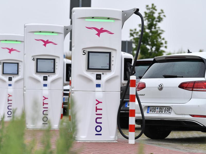 Brüssel will 30 Millionen Null-Emissions-Fahrzeuge bis 2030 auf Europas Straßen