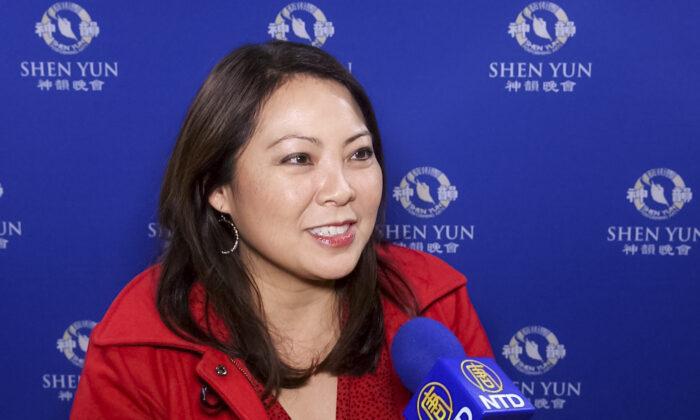 """Preisgekrönte Nachrichtensprecherin: """"Shen Yun ist zu einem Phänomen explodiert"""""""