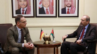 Jordanischer und deutscher Außenminister warnen vor neuem Erstarken des IS