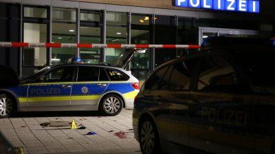 Totschlag? Polizeianwärter erschießt türkischen Messerangreifer mit vier Schüssen