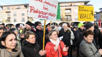 Brandenburgs Wirtschaftsminister: Tesla-Fabrik noch nicht ganz sicher