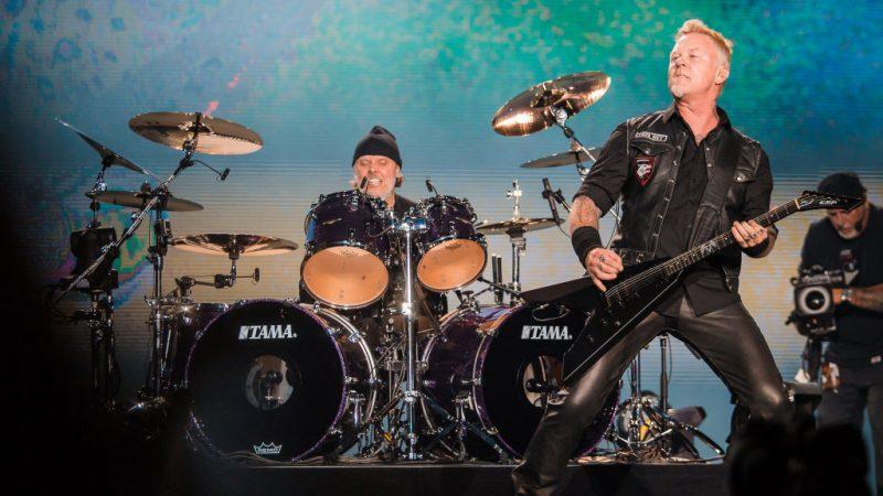 Lars Ulrich and James Hetfield rocken die Bühne bei einem Metallica-Auftritt in São Paulo, Brasilien.