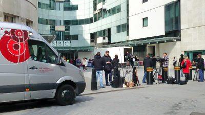 Verschwindet die BBC hinter der Paywall? Johnson soll weitreichende Reform des Rundfunks planen