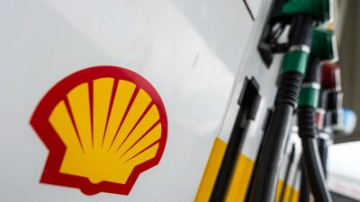 Shell rutscht wegen Ölpreisverfall in die roten Zahlen