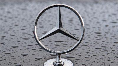 Brandgefahr:Daimler ruft weltweit fast 300.000 Autos zurück