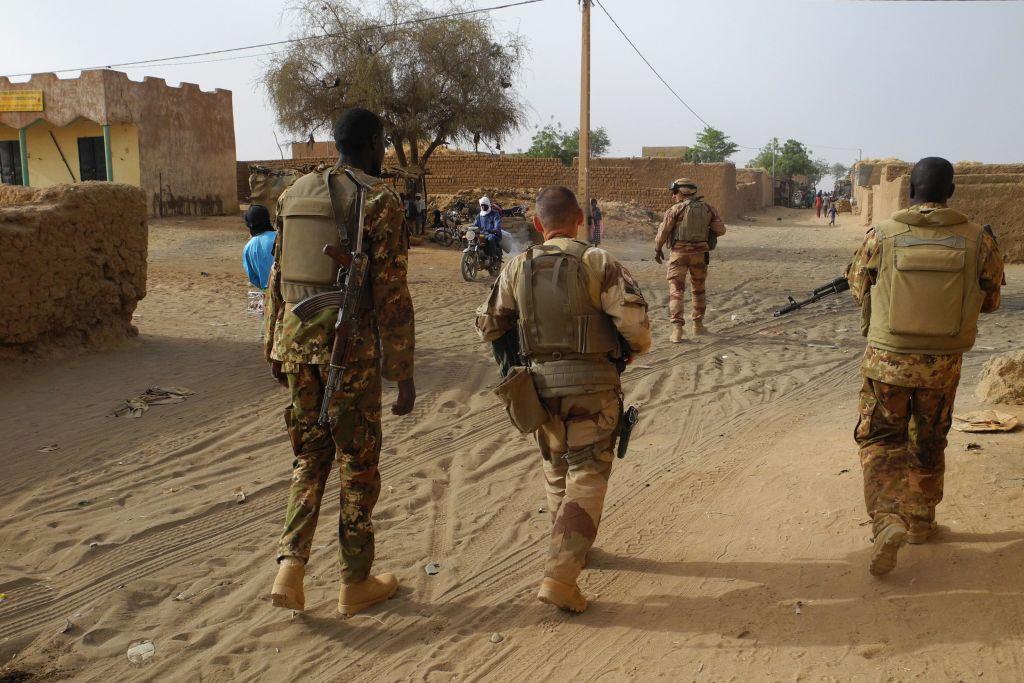 """Europäische Länder gründen Taskforce """"Takuba"""" für Anti-Terror-Kampf in der Sahel-Zone"""