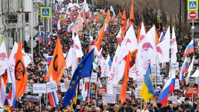 Moskau und St. Petersburg: Tausende Russen erinnern an Ermordung von Oppositionellem Nemzow vor fünf Jahren