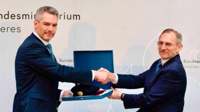 """Österreich: Innenminister widerspricht Vizekanzler: """"Keine Aufnahme von Frauen und Kindern"""""""