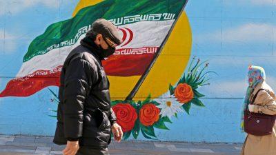 """Iranerin zur Corona-Krise im Iran: """"Es ist, als wenn man auf einem sinkenden Schiff ist"""""""