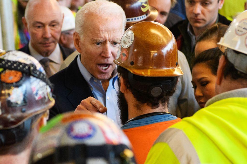 """""""Du redest Sch…."""": Biden beschimpft Arbeiter im Streit um Waffenrecht"""
