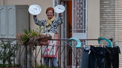 Flashmobs gegen Corona-Blues: Italiener musizieren an Fenstern und auf Balkonen