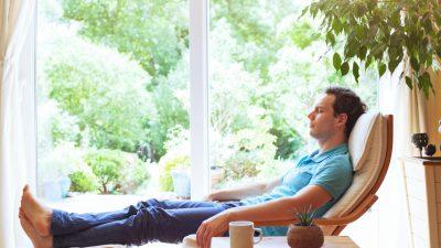 Dr. Rüdiger Dahlke entschleunigt Corona-Krise: Ruhe ist besser als Panik