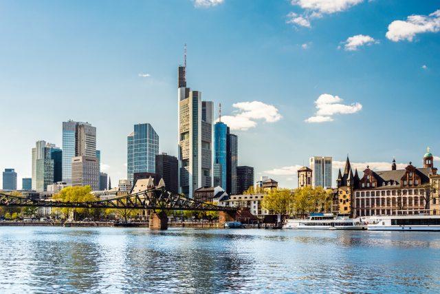 Klage gegen Demo-Verbot: Querdenken erwarten große Anzahl von Menschen in Frankfurt