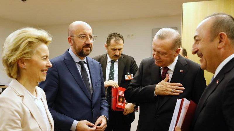 EU-Spitzen sprechen in Video-Konferenz mit Erdogan