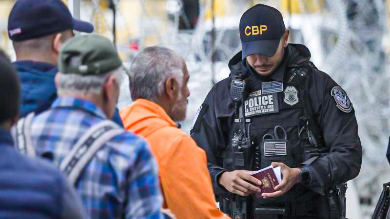 USAmachen Grenze zu Mexiko dicht – Migranten werden sofort in Herkunftsländer zurückgeschickt
