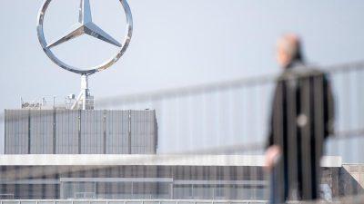 Daimler will seine Angestellten selbst impfen: Werksärzte sind vorbereitet