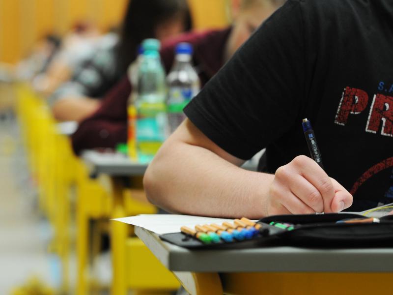 Urteil: NRW-Schüler dürfen auch ohne Corona-Test zur Abschlussprüfung