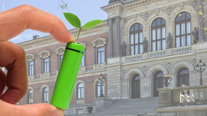 Eine organische Batterie vor einem Gebäude der Universität Uppsala. (Symbolbild)