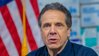New Yorks Gouverneur Cuomo wegen Belästigungsvorwürfen unter Druck