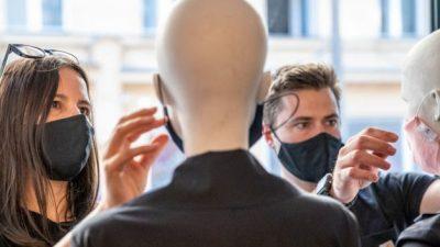 Corona-Pandemie im Newsticker: Griechenland: Ausgangsbeschränkungen bis 4. Mai – Friseurbesuch wird wegen Corona-Vorgaben teurer