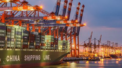Lieferketten-Desaster: Abhängigkeit von China vor allem im Verarbeitenden Gewerbe
