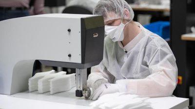 Trigema-Chef erklärt hohen Preis für Schutzmasken – Abgaben und Steuern treiben Preise hoch