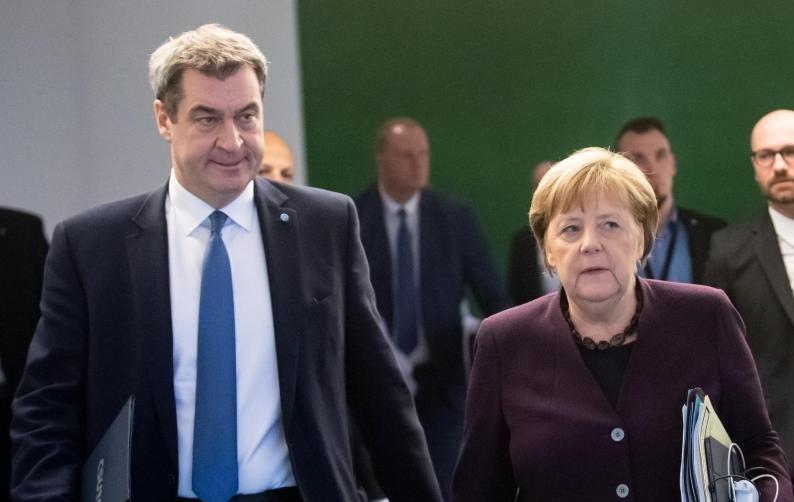 """Merkel: Andere Länder tragen Masken """"immer viel besser"""" und haben weniger Querdenker-Demos"""