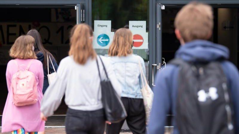 Corona-Maßnahmen erschweren Schülern die Stellensuche