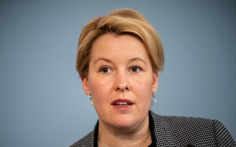 FU Berlin will Giffeys Doktorarbeit bis Ende Februar neu prüfen
