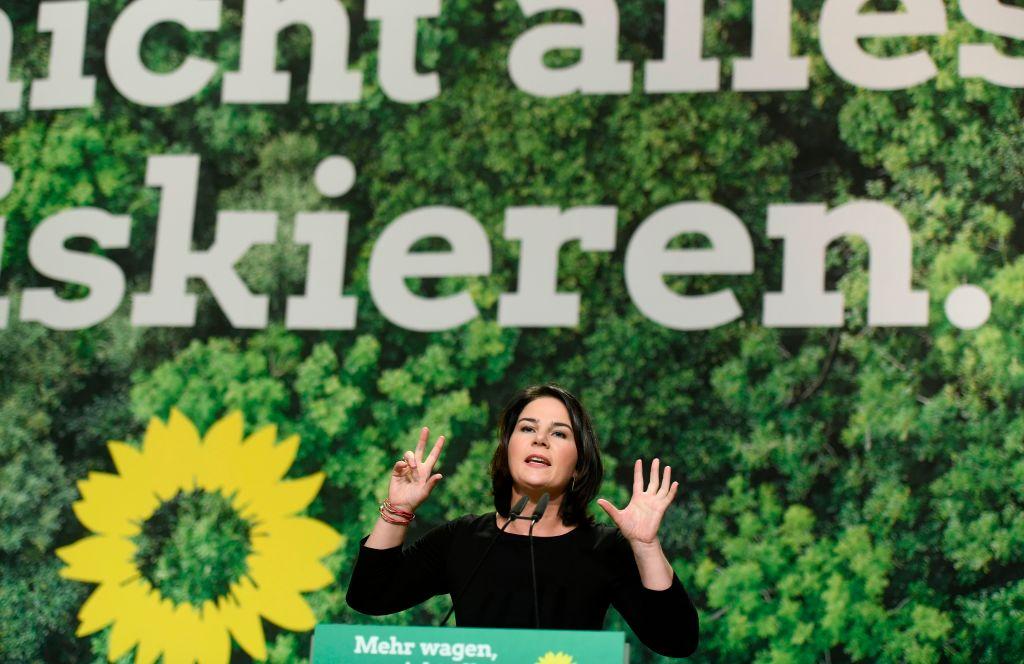 """""""Täuschungsabsicht zeichnet sich ab"""": Plagiat-Jäger nimmt Baerbock-Buch auseinander"""
