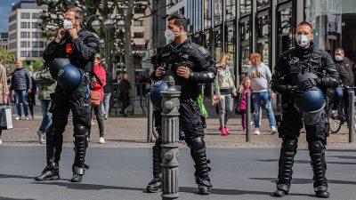 """""""Spaziergänge"""" gegen Corona-Maßnahmen in Sachsen – Protest-Partei will 100.000 Mitglieder haben"""