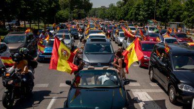 """Spanien: Tausende folgten Vox-Aufruf zum Protest gegen Corona-Maßnahmen und """"Regierung des Elends"""""""