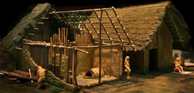 Modell eines Hauses aus dem Blautal