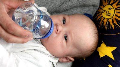 Zucker soll in Baby- und Kindertees künftig verboten sein