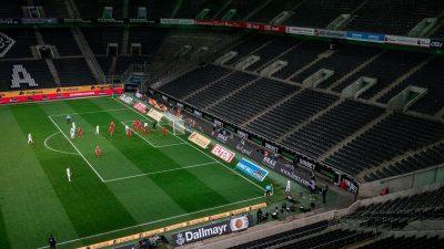 Auf Behörden angewiesen: Fußball zittert Re-Start entgegen