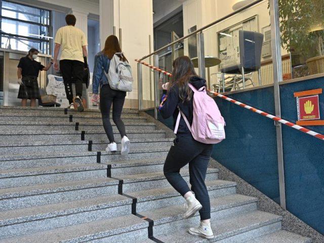CORONA-TICKER: Sachsen bleibt beim Präsenzunterricht für Abschlussklassen