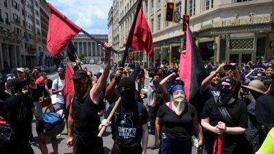 """UN posten """"Antifa""""-Flagge auf Twitter – und kritisieren USA für harte Haltung gegen Linksextreme"""