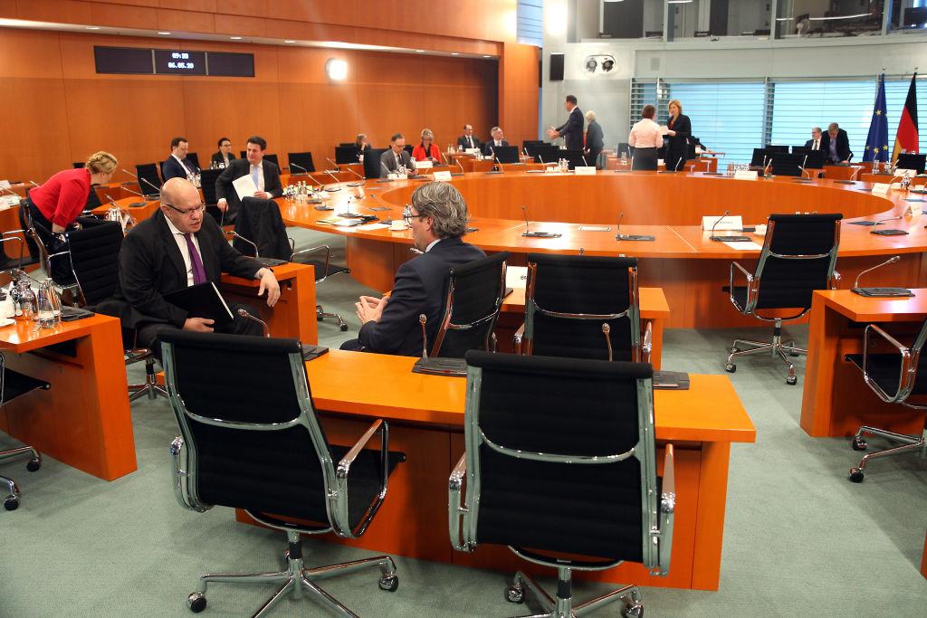 """Bundeskabinett beschließt Paket zur Bekämpfung von """"Rassismus und Rechtsextremismus"""""""