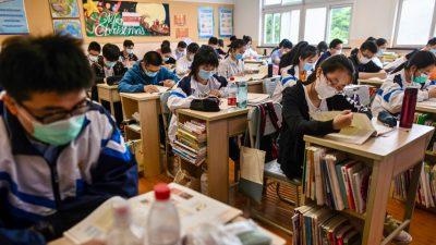 """Chinesisches Regime sucht """"politisch korrekte"""" Lehrer für Hongkong und Macao"""