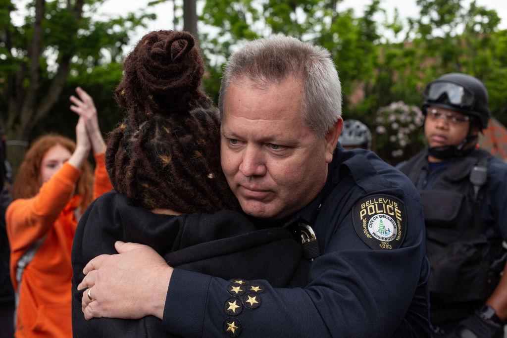 US-Polizeibeamte lehnen pauschale Rassismus-Kritik nach Fall Floyd ab