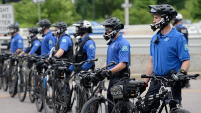 Vier Polizisten bei gewaltsamen Protesten in St. Louis angeschossen