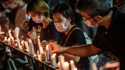 Verbotene Mahnwache in Hongkonger Park – Polizei verhaftet Teilnehmer