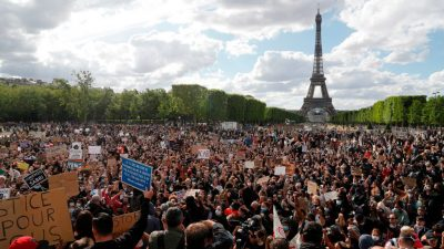 """VIDEOS: Paris auf der Straße – Streit um """"Frankreichs George Floyd"""""""