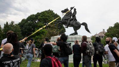 """Nationalgardisten stehen zum Schutz von Monumenten bereit – Polizei räumt """"autonome Zone"""" vor Weißem Haus"""