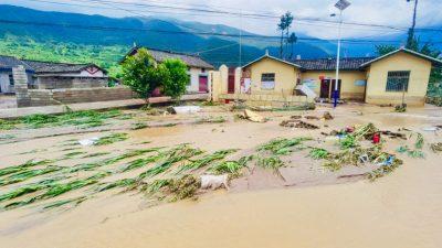 Überschwemmungen in China: Wasser vom Drei-Schluchten-Damm überflutet die Städte