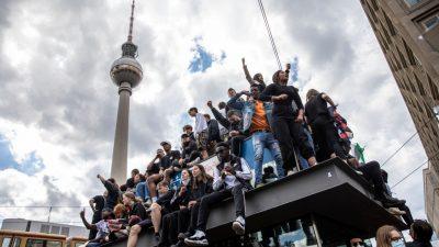 Demos in Deutschland: Schwere Ausschreitungen durch linksextreme Antifa befürchtet